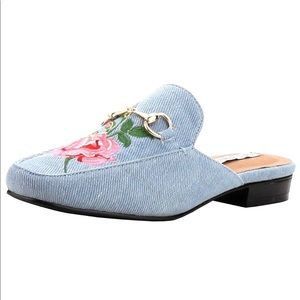 CAPE ROBBIN Denim Slip On Floral Embroidered Mules